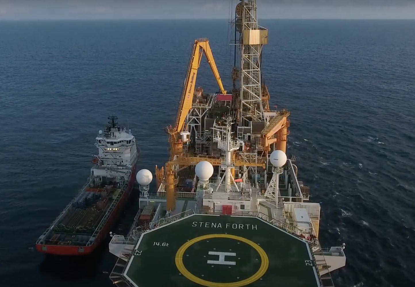 Drilling platform with helicopter landing